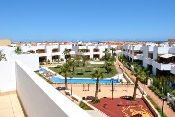 Top floor apartment in Secreto de la Zenia 2 Nº 006 on España Casas